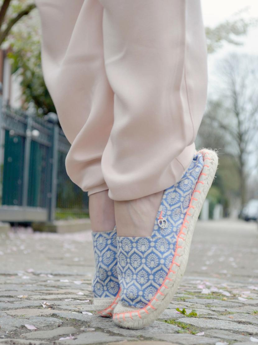 Hearttimes-Outfit-Fashion-Stoffhose-Blazer-Espandrilles-Blog-Belle-Melange-11