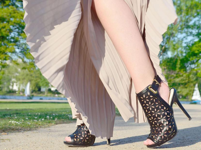 Plisee-Rock-Hose-About-You-Blog-Belle-Melange-Outfit-Fashion-OOTD_5