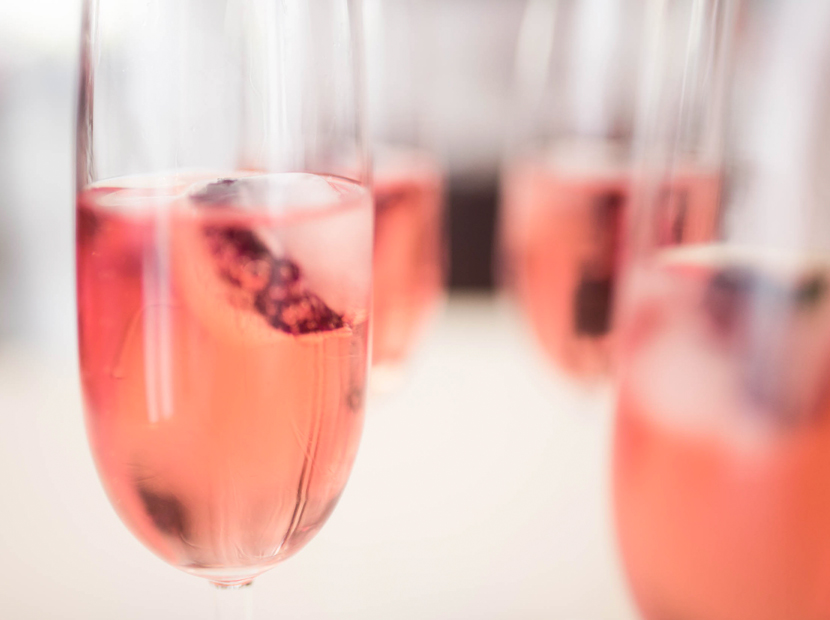 Flower-Ice-Cubes-Champagne-Wedding-Blog-Belle-Melange-Delicious-Recipe-6