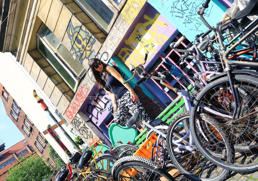 urban-street-style-frends-headphones-hamburg-gaengeviertel-belle-melange-07