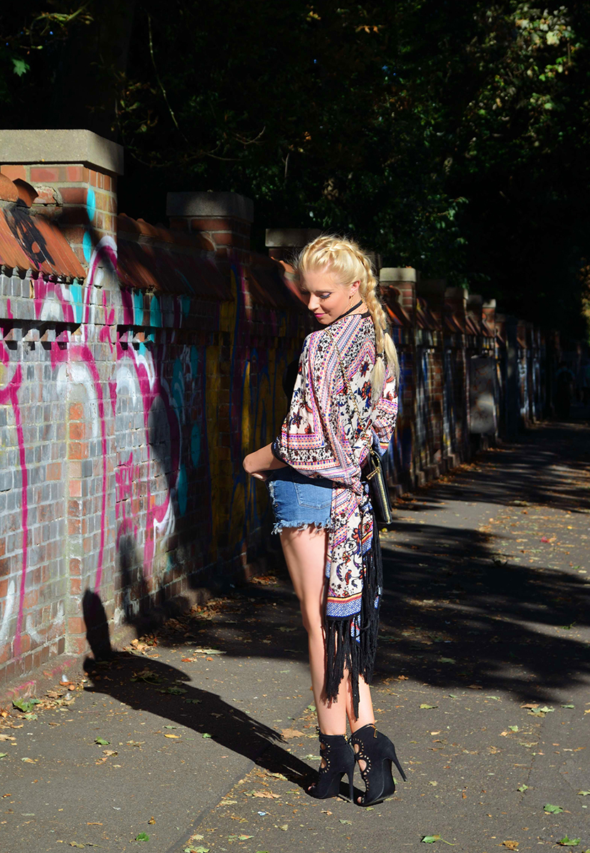 Last-Days-of-Summer-90ies-are-back-Belle-Melange-Fashion-Outfit-4