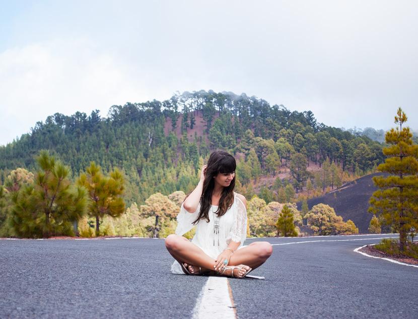 White-Wanderer-Outfit-Fashion-Tenerife-BelleMelange-01
