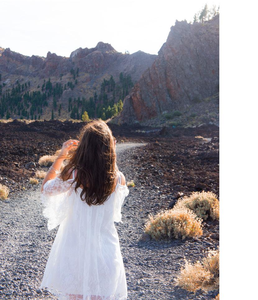 White-Wanderer-Outfit-Fashion-Tenerife-BelleMelange-05
