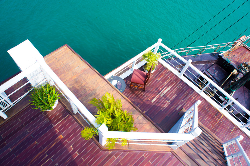 Halong-Bay-Vietnam-VSpiritClassicCruises-Travel-BelleMelange-05