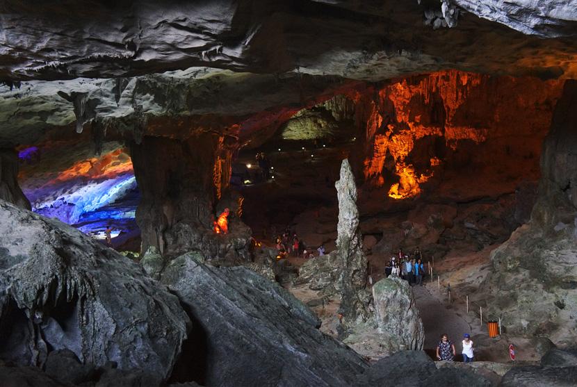 Halong-Bay-Vietnam-VSpiritClassicCruises-Travel-BelleMelange-08