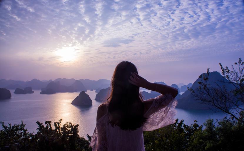 Halong-Bay-Vietnam-VSpiritClassicCruises-Travel-BelleMelange-13